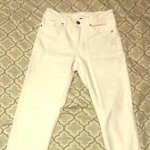 Brand new, white denim, lightly distressed jeans!